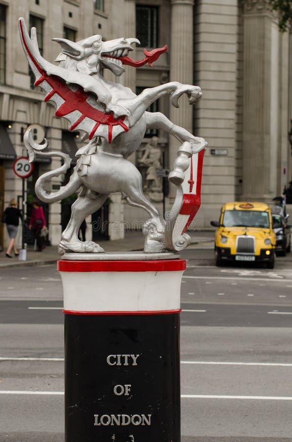 Stad van de draakstandbeeld van Londen stock foto