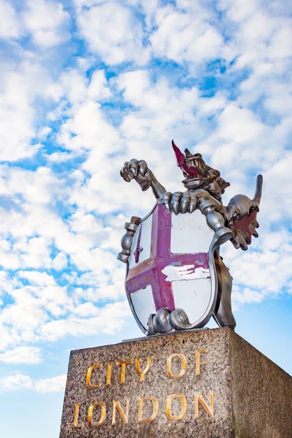 Stad van het Monument en de Draak van Londen stock afbeeldingen