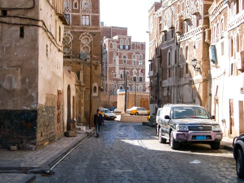 Stad van Sana 'a, straten en gebouwen van de stad in Yemen stock fotografie