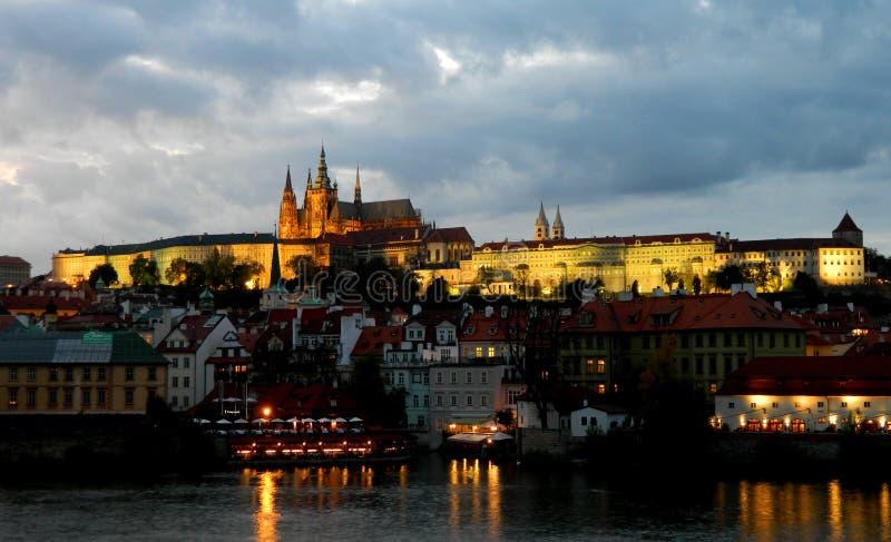 Staden av den Prag nattplatsen arkivbilder