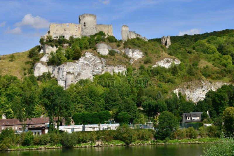 Staden av Les Andelys i normandie royaltyfri bild