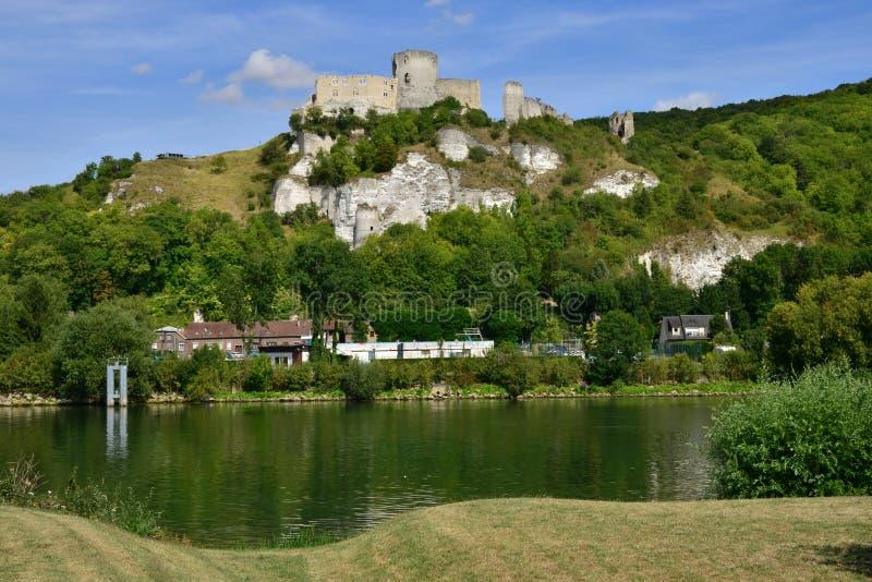 Staden av Les Andelys i normandie arkivbild