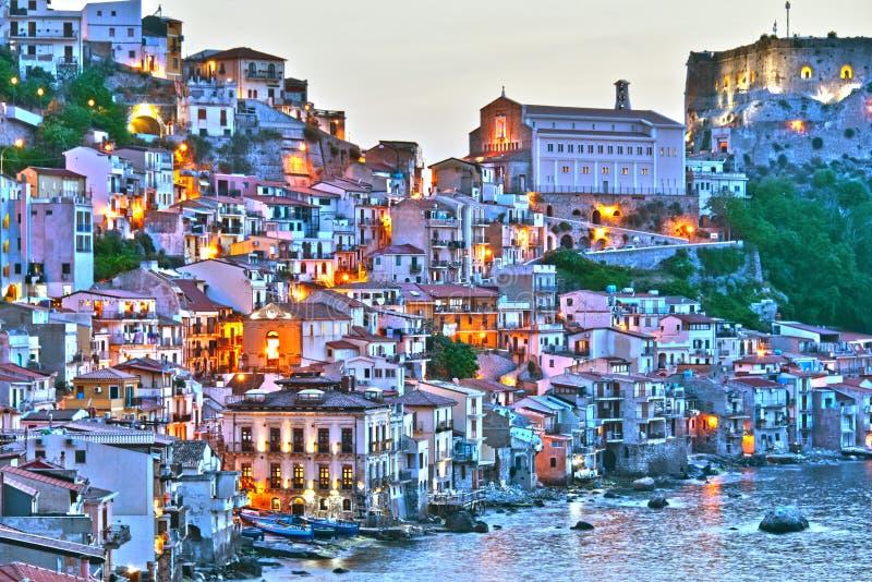 Staden av Scilla i landskapet av Reggio Calabria, Italien royaltyfria foton