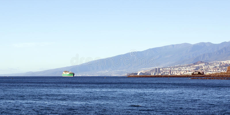 Staden beskådar av Tenerife arkivbilder