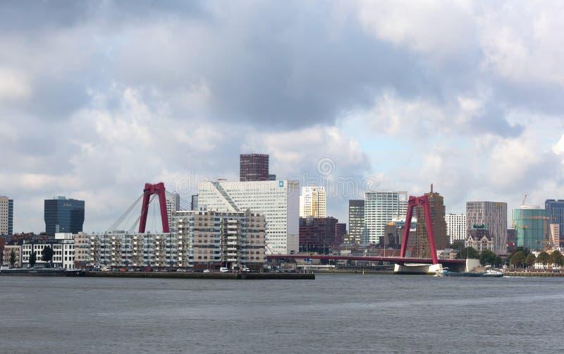 Staden beskådar Rotterdam arkivbilder