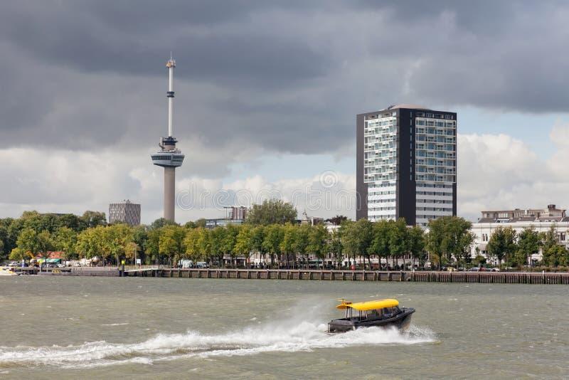 Staden beskådar Rotterdam arkivfoto