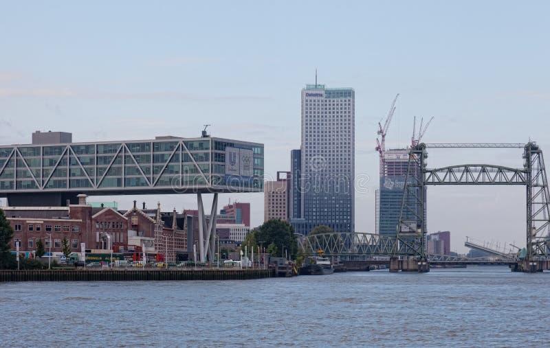 Staden beskådar Rotterdam royaltyfri foto