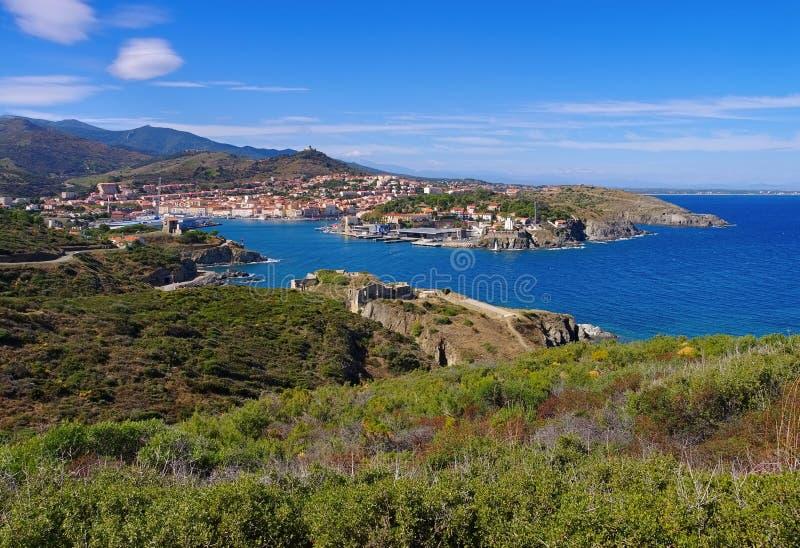 Staden Collioure i Frankrike fotografering för bildbyråer