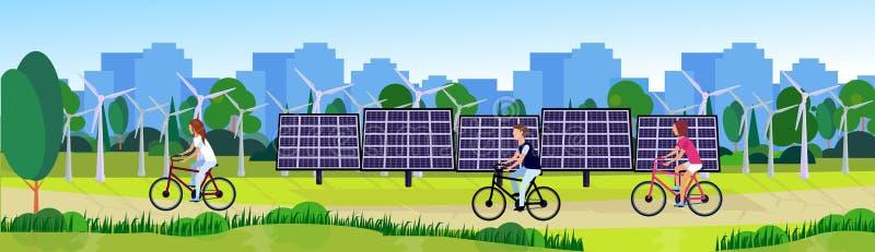 Staden parkerar folk som cyklar för vindturbiner för ren energi träd för gräsmatta för gräsplan för floden för paneler för sol- e stock illustrationer