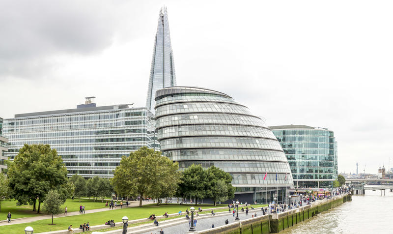 Stadhuis, de Scherf en andere gebouwen, Londen royalty-vrije stock foto