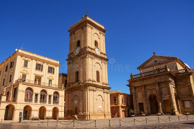 Stadhuis en kathedraal van de stad van Lanciano in Abruzzo stock afbeelding