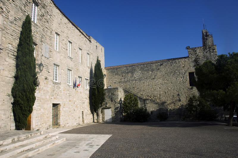 Stadhuis en kerk van Castellet stock fotografie