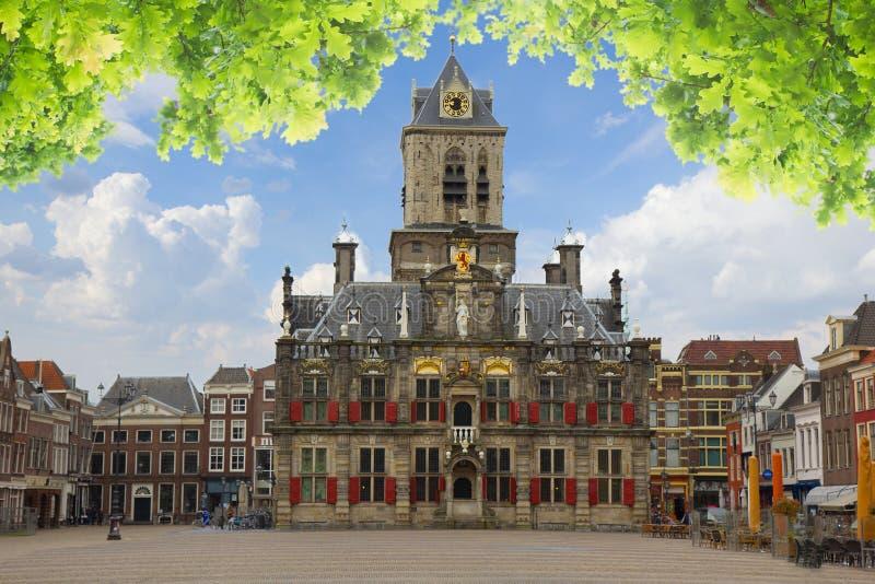 Stadhuis en marktvierkant, Delft, Holland stock afbeelding