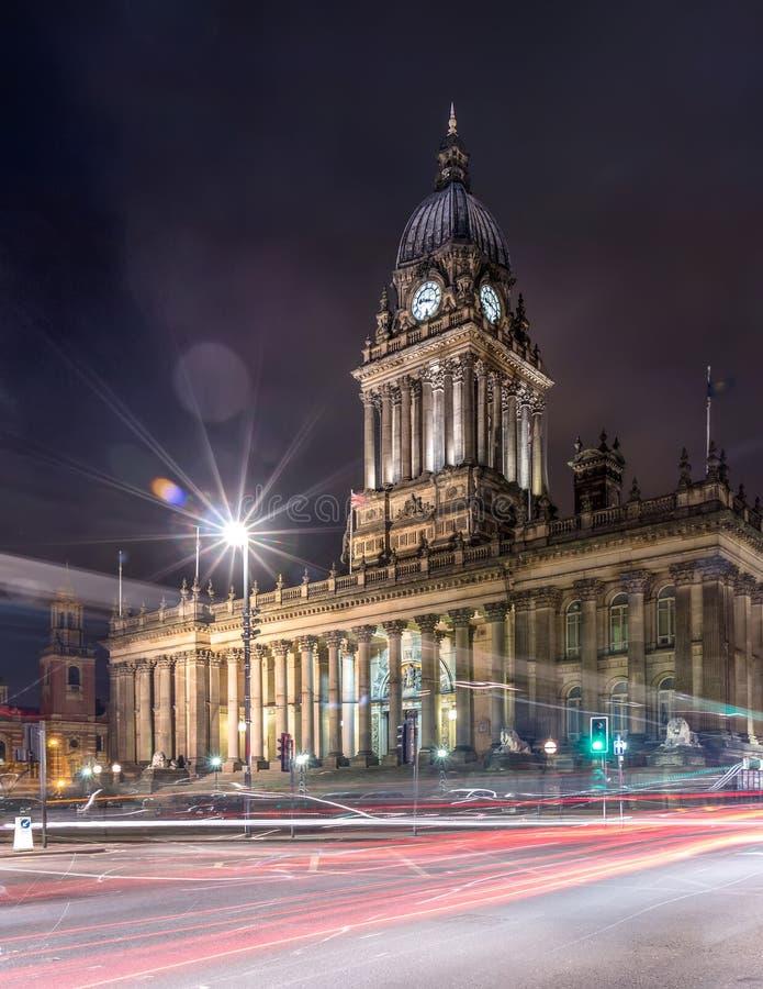 Stadhuis in Leeds, West-Yorkshire, het UK (Geschotene Nacht) royalty-vrije stock afbeeldingen