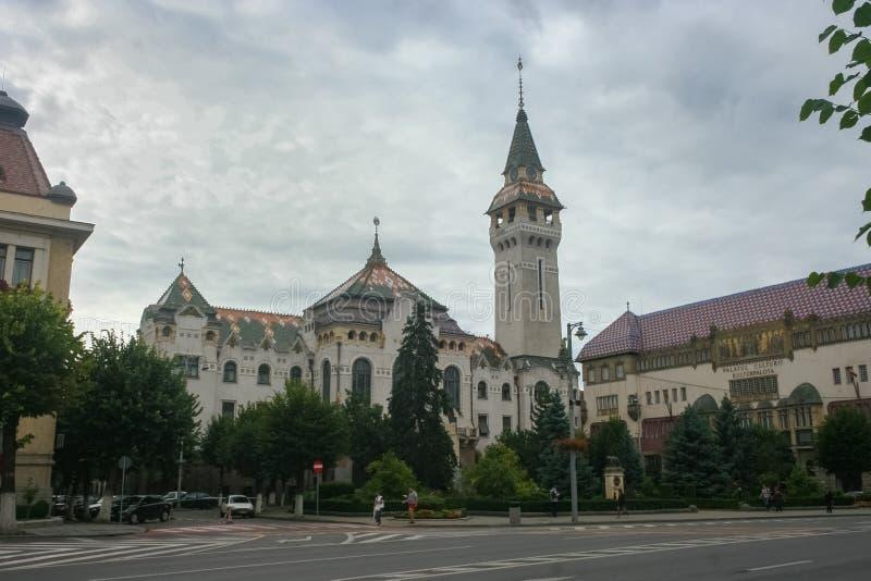 Stadhuis, prefectuurtoren en paleis van cultuur in Targu Mures, Roemenië royalty-vrije stock afbeelding