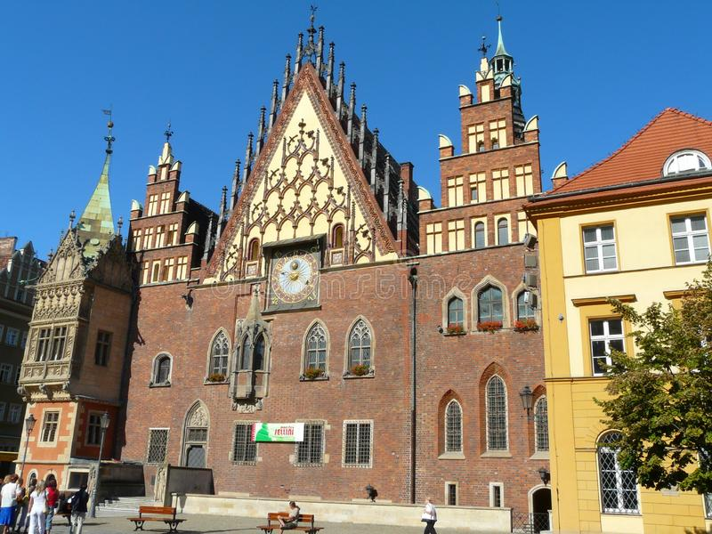 STADHUIS IN WROCLAW, POLEN stock foto