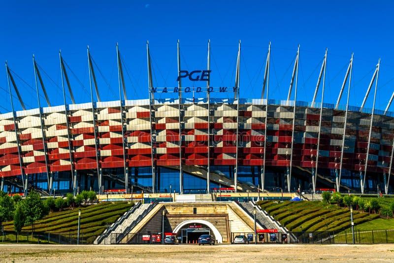 Stadio di football americano nazionale della Polonia a Varsavia Giorno di estate soleggiato con un cielo blu e gli alberi verdi fotografia stock