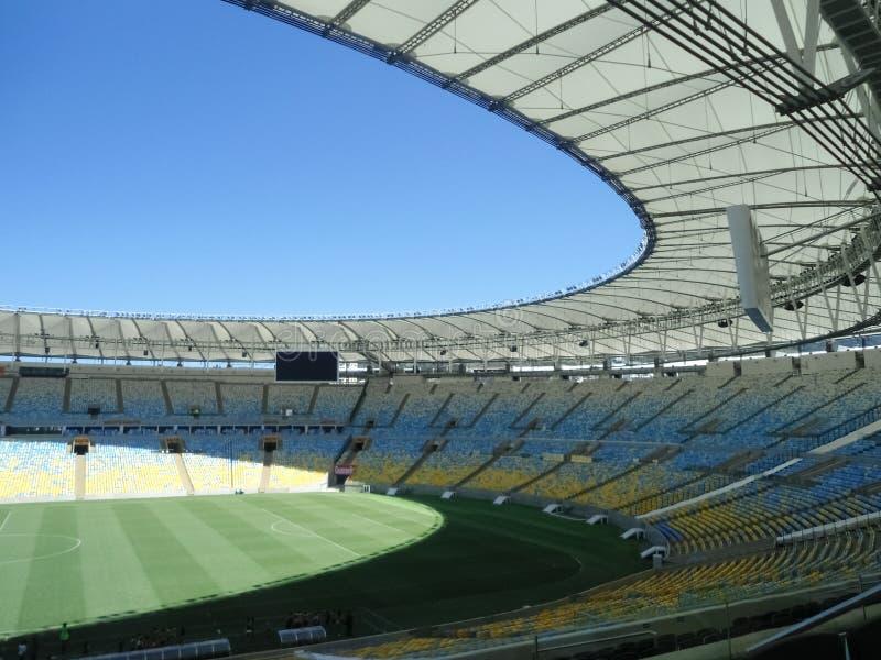 Stadio di Maracana situato in Rio de Janeiro Brazil Campo di calcio vuoto immagine stock libera da diritti