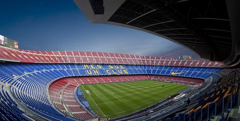 Stadio di Nou dell'accampamento a Barcellona (panorama) immagini stock
