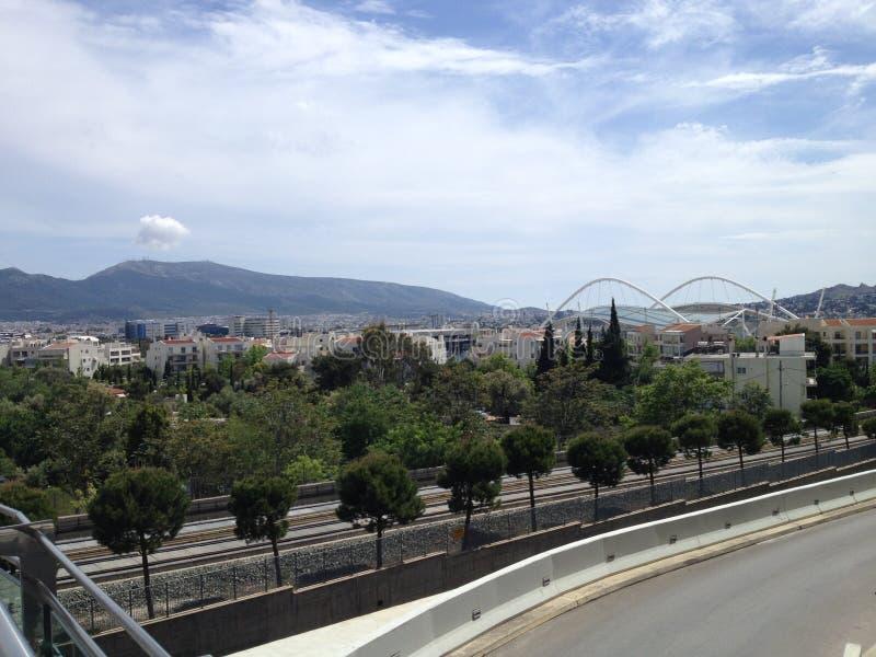 Stadio olybic della luce di giorno di estate della città del cielo blu di Atene immagine stock
