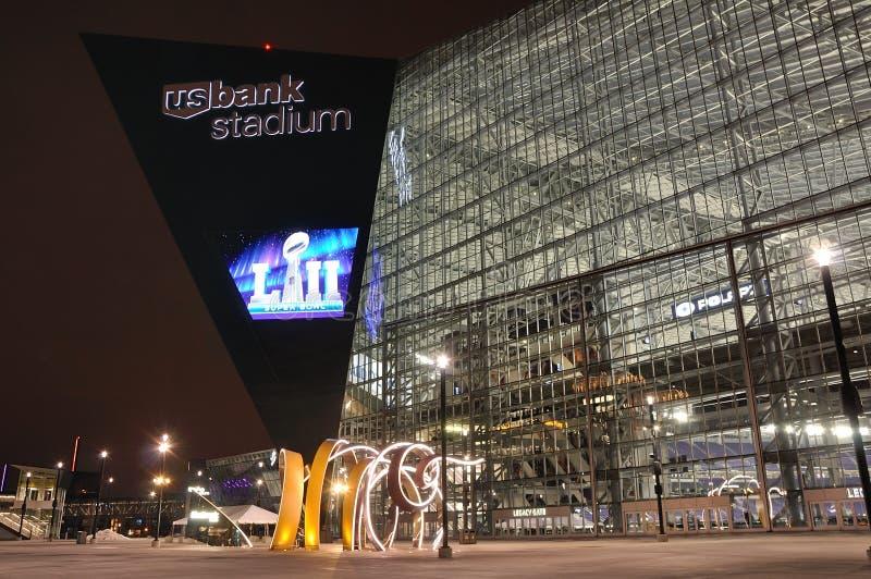 Stadion för Minnesota VikingsUSA-bank i Minneapolis på natten, plats av Super Bowl 52 royaltyfria bilder