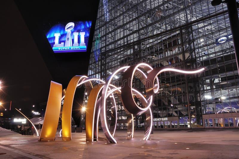 Stadion för Minnesota VikingsUSA-bank i Minneapolis på natten, plats av Super Bowl 52 arkivbilder