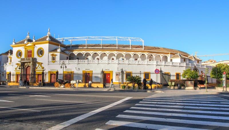 Stadion för tjurstridighet (Plazade toros de la Verklig Maestranza de C arkivfoton
