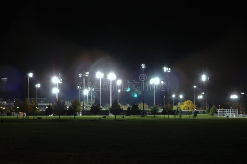 Stadion nachts stockfotos