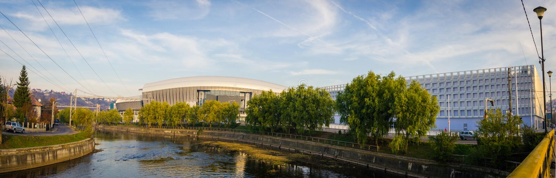 Stadion und Sporthalle Klausenburgs Napoca lizenzfreie stockfotos