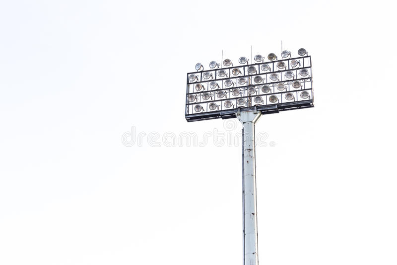 Stadionflodljus på vit himmelbakgrund royaltyfri fotografi
