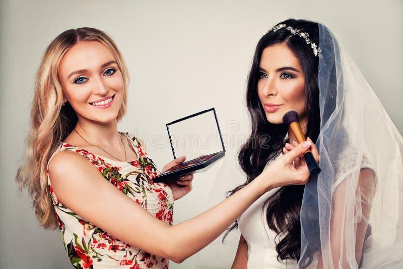 Stadiumsmake-up Hübsches Frauen-Mode-Modell und Make-up lizenzfreie stockfotografie