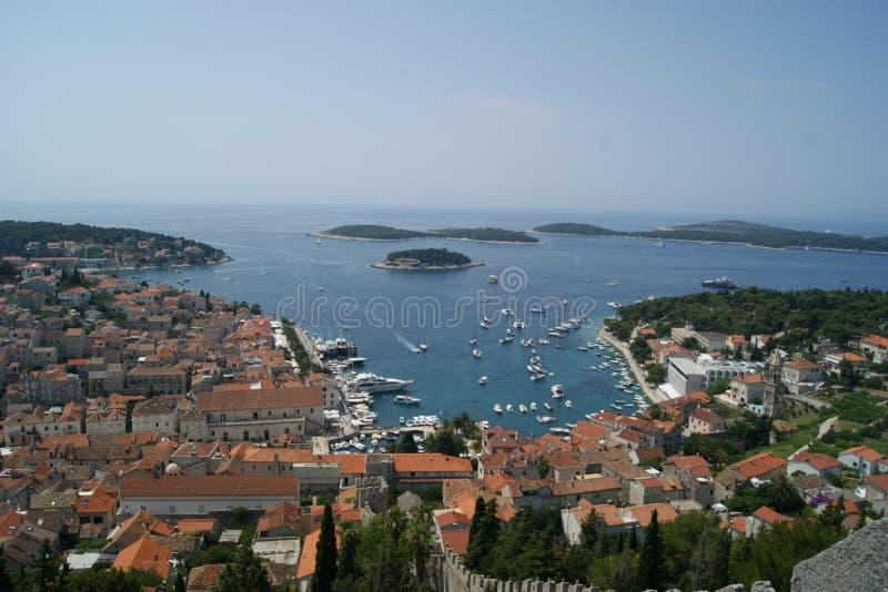 Stadlandskap/landskap i Kroatien arkivfoto