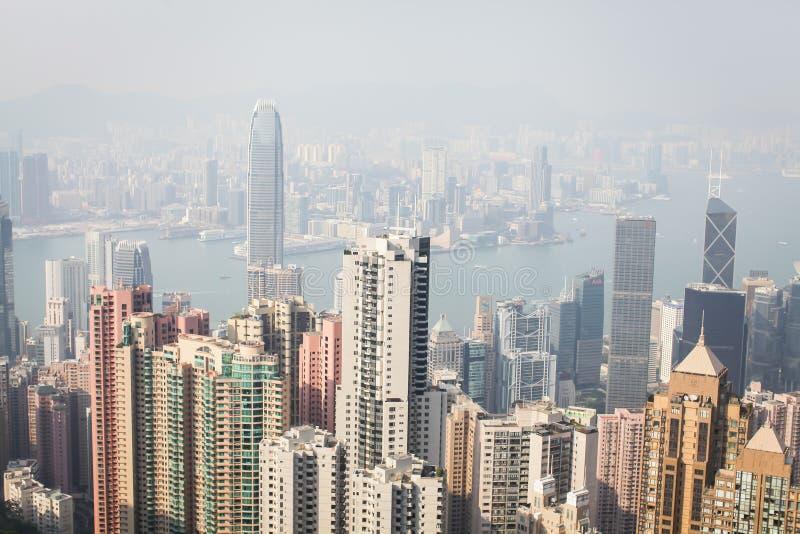Stads- Beautyful sikt av Hong Kong och Victoria Harbor på solnedgång royaltyfria foton
