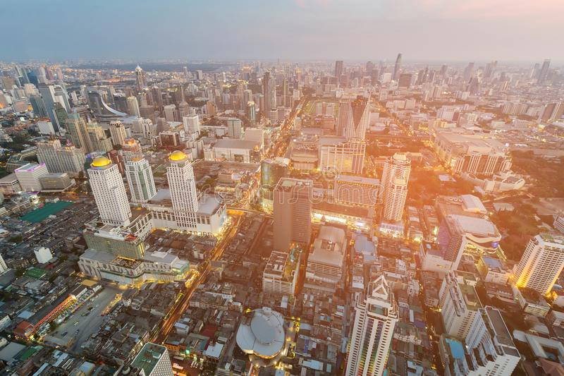 Stads bedrijfs luchtmening van de binnenstad royalty-vrije stock afbeeldingen