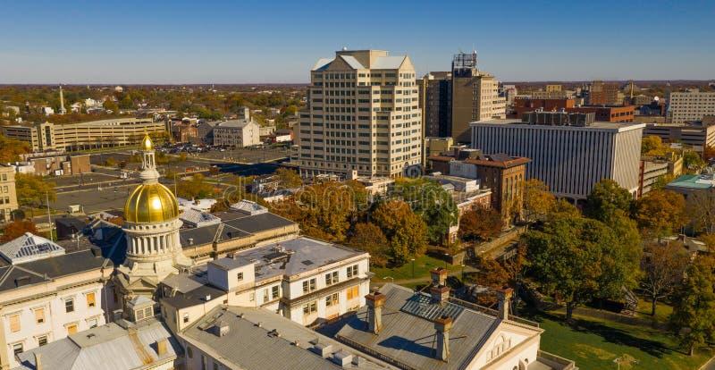 Stads- i stadens centrum stadshorisont Trenton New Jersey State Capital royaltyfri bild