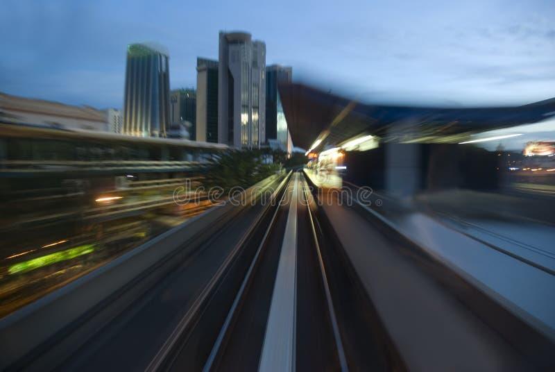 Stads- natttrafik royaltyfria foton