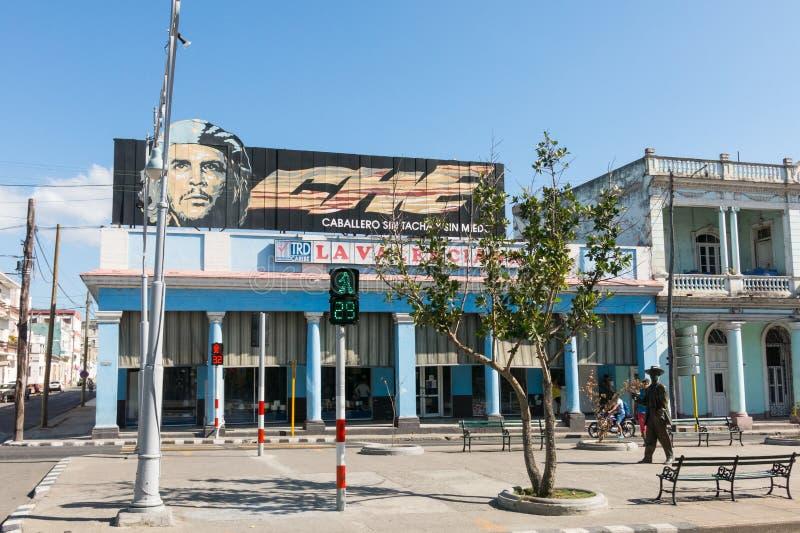 Stads- plats i Cienfuegos, Kuba royaltyfria foton