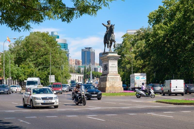 Stads- plats på Paseo de la Castellana i i stadens centrum Madrid arkivfoton