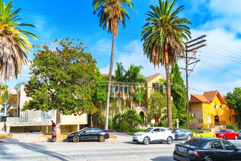 Stads- sikter av det Beverly Hills omr?det och de bostads- byggnaderna p? Hollywoodet Hills arkivfoton