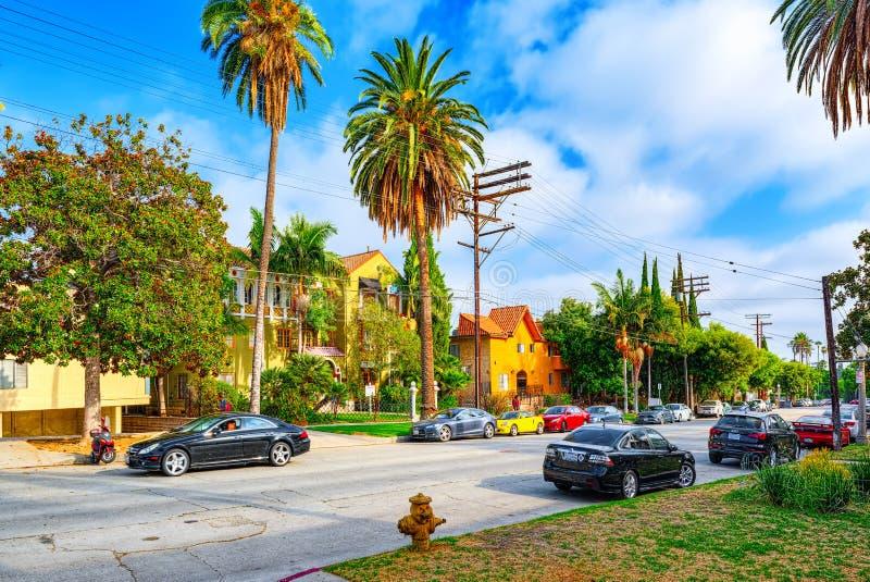 Stads- sikter av det Beverly Hills omr?det och de bostads- byggnaderna p? Hollywoodet Hills royaltyfri fotografi