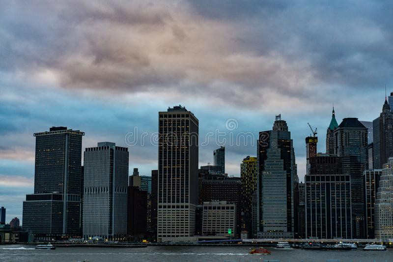 Stads- skyskrapor f?r Lower Manhattan i New York City royaltyfria bilder