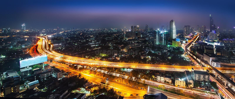 Stads- stadshorisont för natt, Bangkok, Thailand. arkivbild