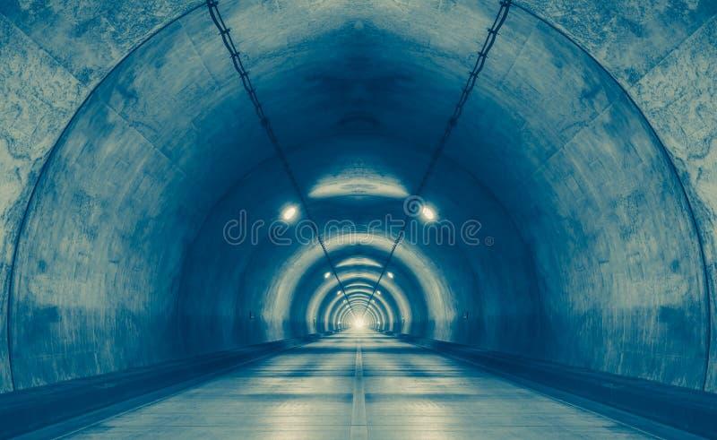 stads- tunnel på berget utan trafik royaltyfria bilder