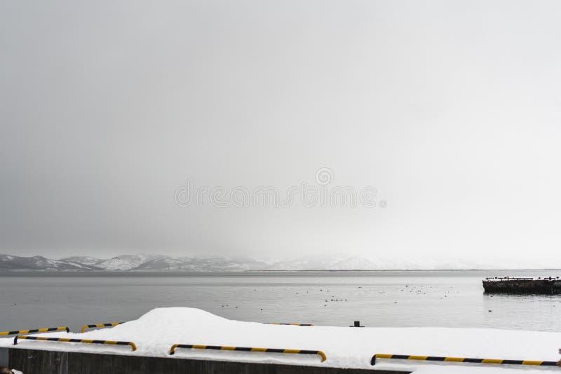 Stads- vinterlandskap på den Kamchatka halvön arkivfoto