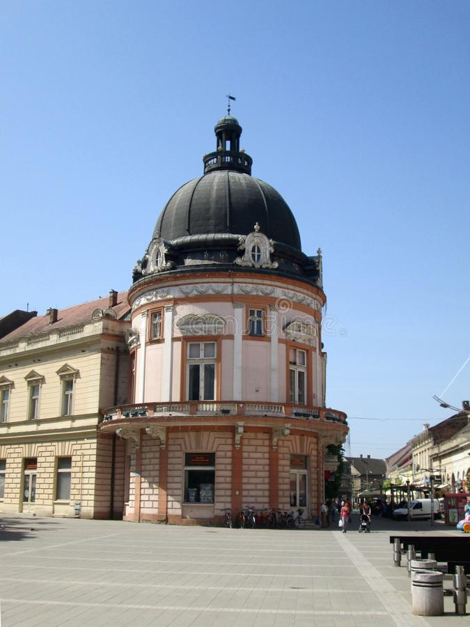 Stadscentrum van Sremska Mitrovica, Servië stock fotografie