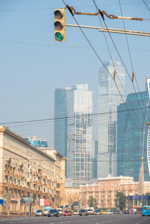 Stadsgator och sikter av sikt av Moskvastaden royaltyfri bild
