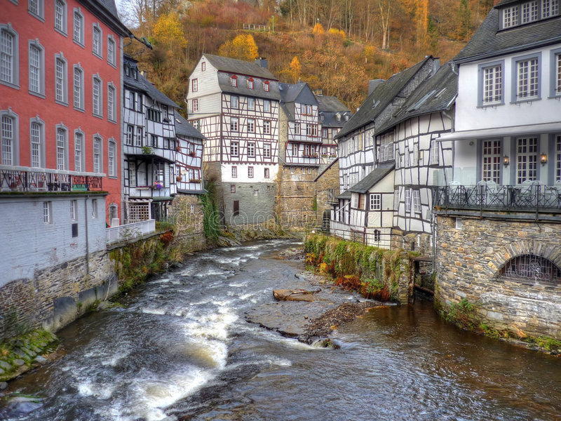 stadsgermany monschau royaltyfria bilder