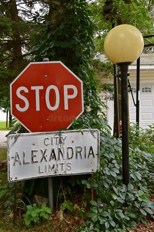 Stadsgränser och att stoppa tecknet arkivfoto