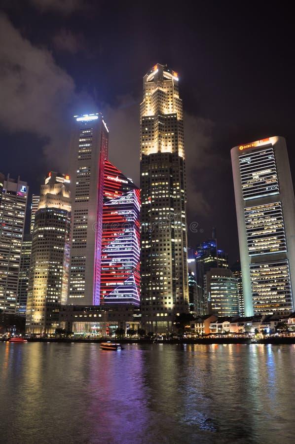 Stadshorizon bij bootkade Singapore royalty-vrije stock fotografie