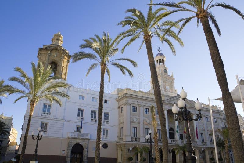 Download Stadshus av Cadiz. fotografering för bildbyråer. Bild av folk - 27281533